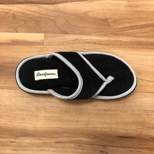 Dearfoams Black and Grey Flip Flop Slippers